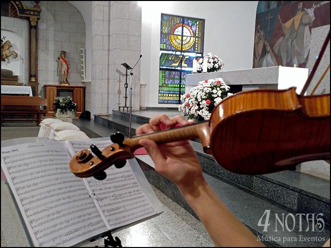 violinista musica iglesia